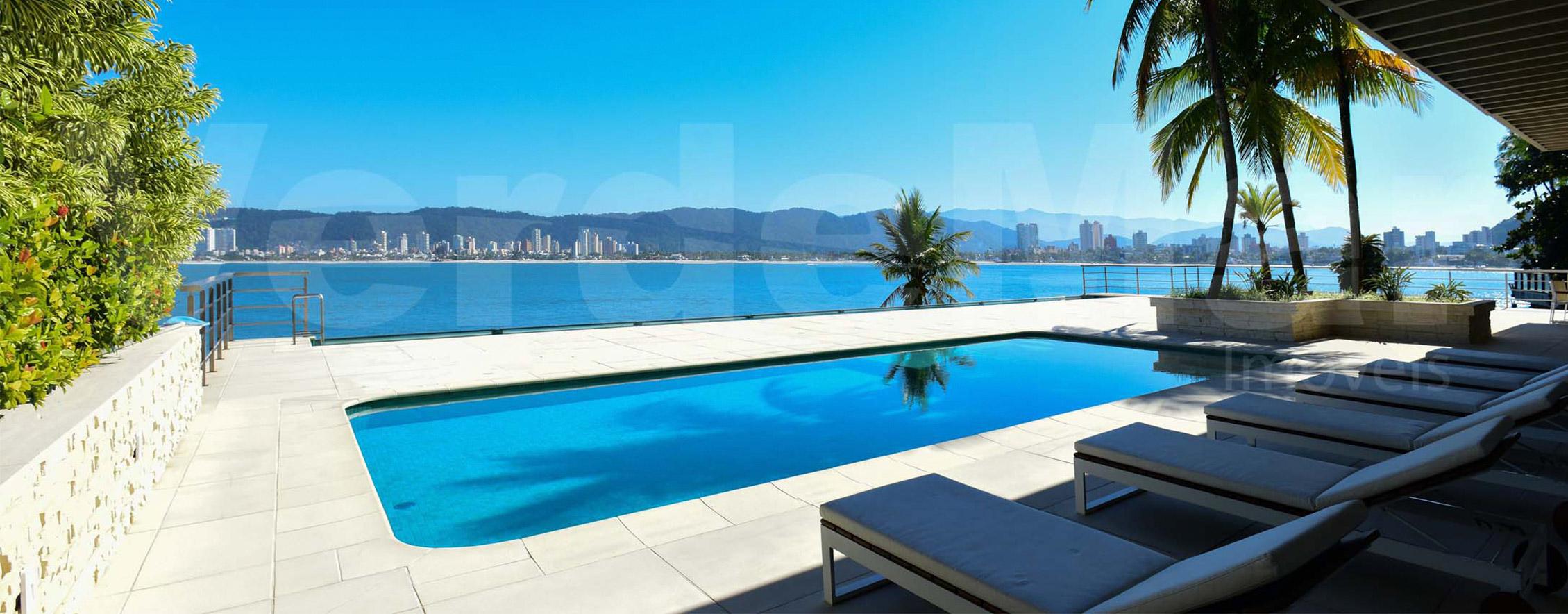 Casa frente a praia em Guaruja. Quer saber mais sobre a possibilidade de investir em uma propriedade no litoral ?